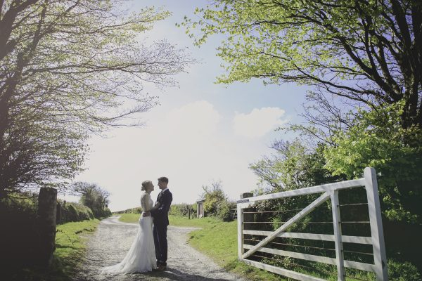 HB  527 600x400 - Trevenna Barns Wedding